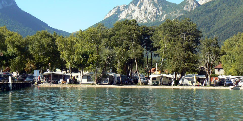 Camping au bord du lac d 39 annecy picteo for Camping annecy avec piscine