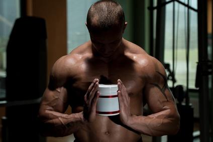 Les stéroïdes et la musculation : des origines à leur interdiction